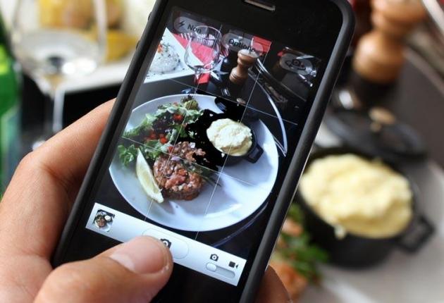 Инициатива за забрана на употребата на телефоните в ресторанти